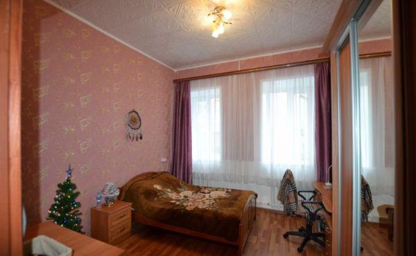 Трехкомнатная квартира в городе Волоколамск, по адресу: ул.Фабричная, д.17